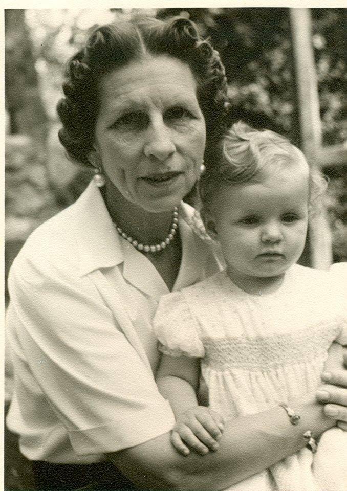 HM Queen Mother Elena of Romania (mother of HM King Michael I) with her granddaughter HRH Margareta (today Crown Princess of Romania)  —  Majestatea Sa Regina-mamă Elena a României (mama MS Regelui Mihai) cu nepoata sa, ASR Principesa Margareta (azi moștenitoarea Coroanei României).
