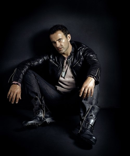 Julian McMahon, better known as Christian Troy!