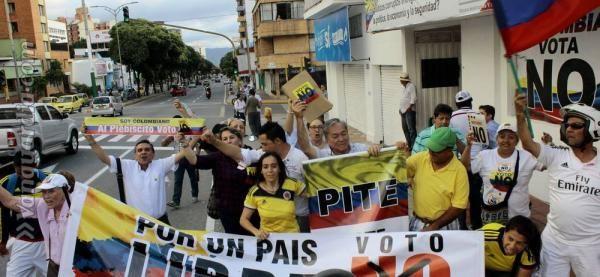 La desconfianza hacia las Farc habría sido determinante para que Santander haya decidido no apoyar el acuerdo de paz durante la jornada del plebiscito de este domingo. Así lo afirman votantes y representantes de este movimiento.