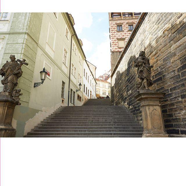 THE JEWEL IN THE HEART OF EUROPE ไมวาจะฤดกาลไหนๆ 'กรงปราก' ยงคงเสนหชวนหลงใหล ใหผคนจากทวสารทศเดนทางมาชนชมความงดงามของทศนยภาพในแบบยโรปขนานแท ทงจากอาคารบานเรอนเกาแก ถนนหนทางตามตรอกซอกซอย ซงคงถกอนรกษไวเหมอนเชนวนวาน ไปจนถงเรองราวของดนตร ศลปะ และวฒนธรรม จงไมแปลกใจทกรงปรากถกจดอนดบใหเปนเมองนาทองเทยวทสดในยโรปตลอดกาล #LOfficielThailand #LOfficielVoyage #LOfficielDiary #Pargue  via L'OFFICIEL THAILAND MAGAZINE INSTAGRAM - Fashion Campaigns  Haute Couture  Advertising  Editorial Photography  Magazine…
