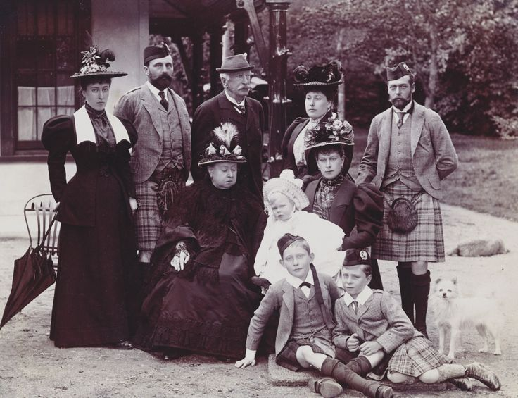 Queen Victoria and family, Balmoral, September 1895. Left to right, standing: Princess Helena Victoria (daughter of Princess Helena, granddaughter of Queen Victoria); Prince Henry of Battenberg (son-in-law of Queen Victoria, husband of Princess...