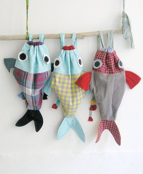 Along with my Fish friend - Drawstring backpack