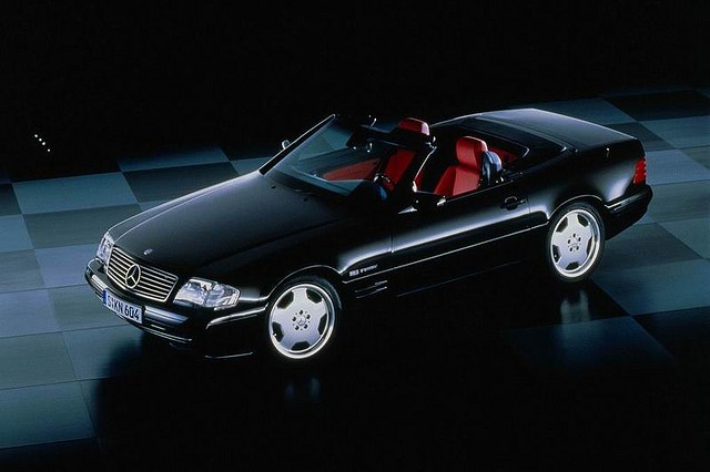 The Mercedes SL 500 (R129), another iconic and cool 90s car.
