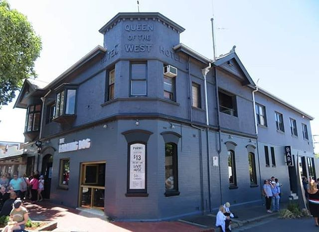 The Barking Dog Hotel Formerly Queen Of The West Hotel Pakington Street West Geelong Victoria Photo Kathleen Wallington More Pubs Pub Geelong Dog Hotel