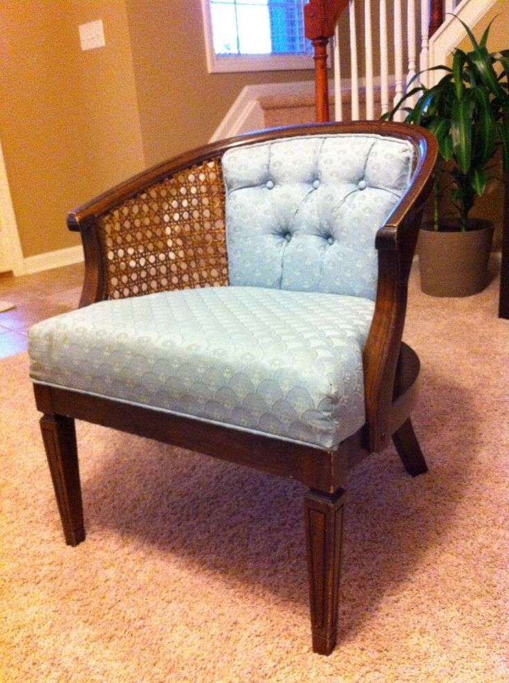 Tips to finish upholstering the back of our thrifted