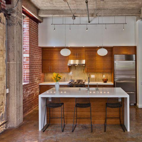 open ceiling lighting. l\u0027utilisation du bois apporte beaucoup de chaleur et d\u0027élégance à cette cuisine open ceiling lighting
