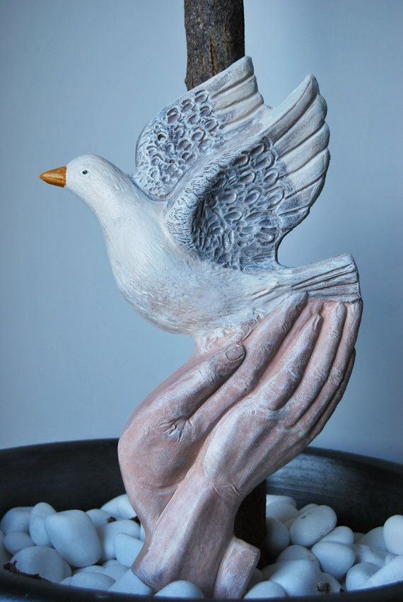 Check out this item in my Etsy shop https://www.etsy.com/listing/203333574/ceramic-pigeon-freedom