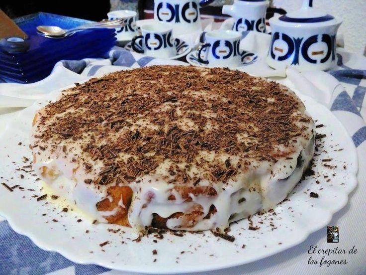 Tarta de calabaza y almendra con glaseado de limón y virutas de chocolate. Si quieres una tarta para celebrar halloween, no busques más, esta tarta de calabaza es magnífica para tus fiestas 'terrorificas'.