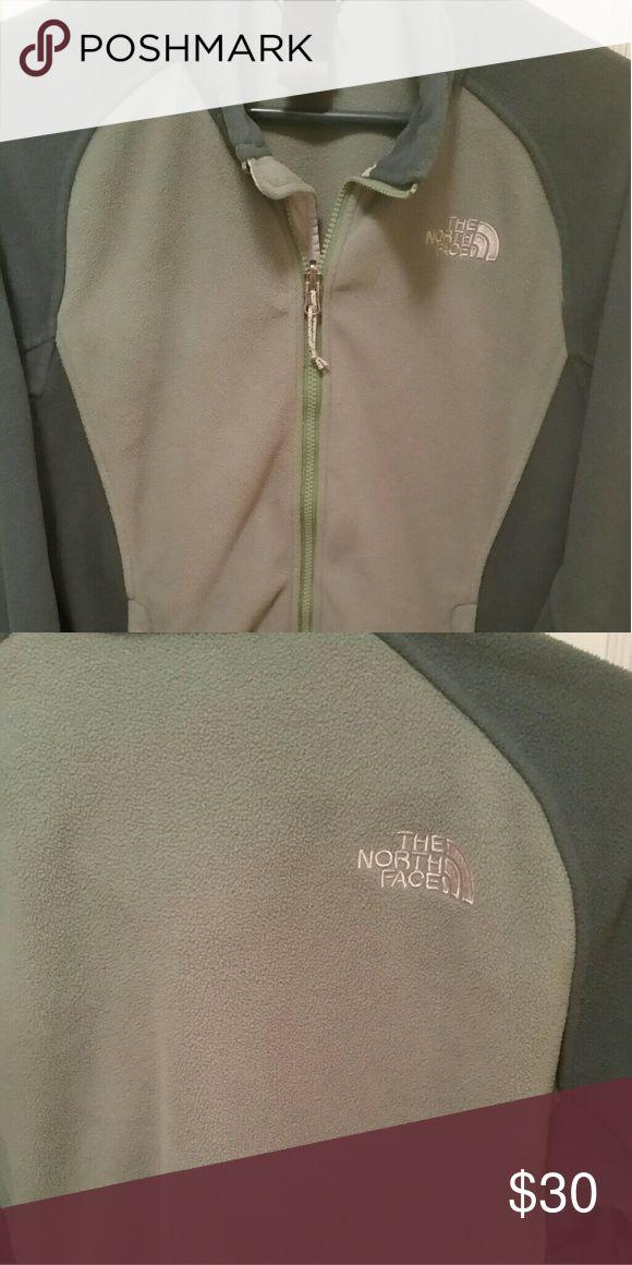 Northface fleece jacket Green North face ladies jacket North Face Jackets & Coats