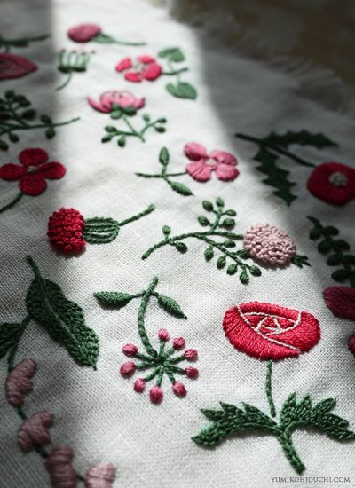 Flower pattern embroidery by yumiko higuchi. looks like crewel work. i used to be able to do that!