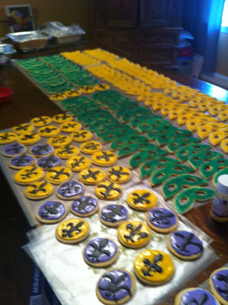 madi gras themed sugar cookies!