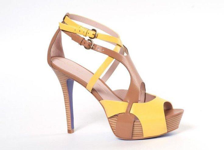 Представитель обувь бразилия