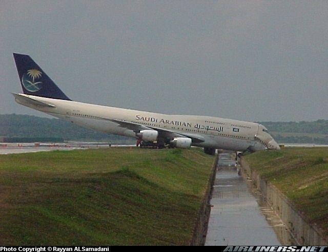 Saudi Arabian Airlines Boeing 747-368