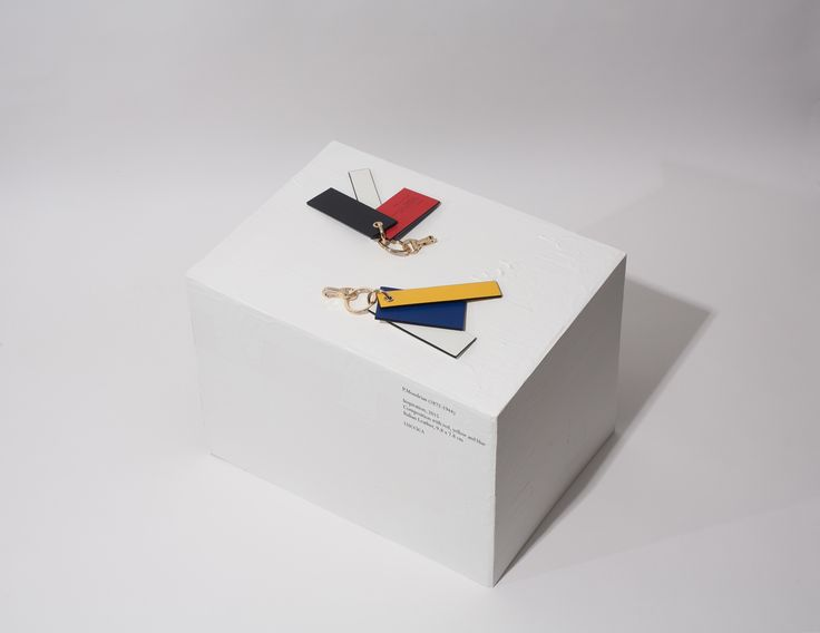 P.Mondrian charm for bags (keyring) P.Mondrian (1872-1944) Inspiration, 2015 Composition with red, yellow and blue Italian Leather, 9.8 x 7.8cm #LUCCICA #L32 #keyring #charm #cardwallet #wallet #leather #leathergoods #15fw #Mondrian
