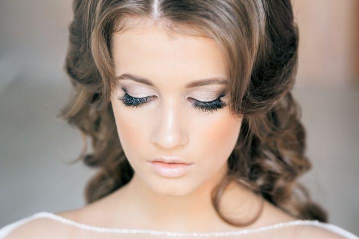 Wedding makeup with false eyelashes: great wedding makeup
