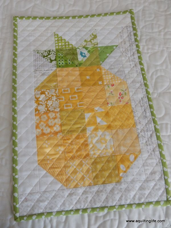 Pineapple Mini Quilt | A Quilting Life | Bloglovin'