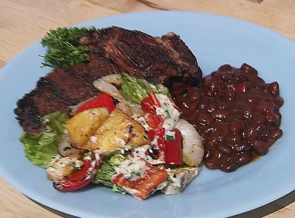 Grilled Steak and Pineapple-Pepper Salad with Ranch Dressing