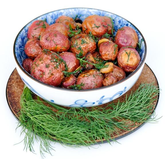 Garlic Roasted Potatoes with Dill: Garlic Roasted Potatoes, Vegans Recipe, Side Dishes, Roasted New Potatoes, Side Recipe, Fresh Air, Dill Roasted, Dill Recipe, Vegans Yummy