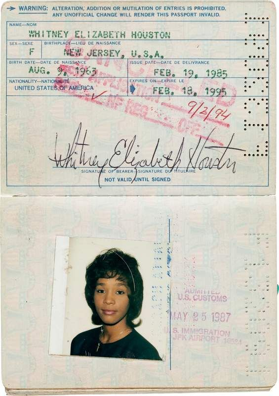 Withney Houston passport (2)