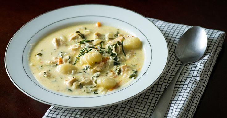 Olive Garden-Inspired Chicken Gnocchi Soup