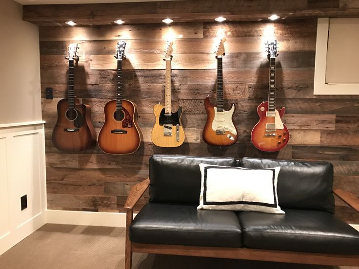 Exceptionnel Guitar Display Wall. I Transformed This Wall And Added Spotlights To  Display My Guitars. | Guitar | Pinterest | Guitar Display Wall, Guitar  Display And ...