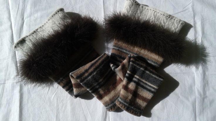 Jambières grise et brune de laine 100% recyclée bordées avec vrai plumes Mode écologique Vêtements réinventés de qualité supérieure by Noukshouk on Etsy