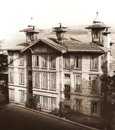 Muhayyeş Yalısı (Afif Paşa Yalısı), yaklaşık 1910. Yapının arka cephesinden görünüm ve detaylar. Foto: Erdal Aksoy