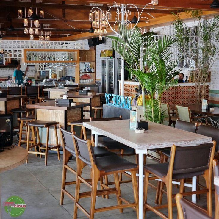 Food Blog Bali  Selain makanan disini enak-enak, suasana yang diciptakan juga membuat tempat ini enak dijadikan tempat bersantai bersama teman, ngobrol2 atau sekedar minum2 cantik.  Dan walau saat siang diluar terik, tempat ini selalu memberikan suasana yang teduh dan sejuk. ••• ••• •••  @Roadside37  Rp 50k - Rp 150k  Jl. Majapahit No 37, Kuta ••• ••• ••• #restaurant #bar #cafe