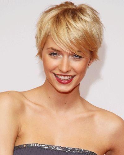 Super cute short hair Salon hair nails face