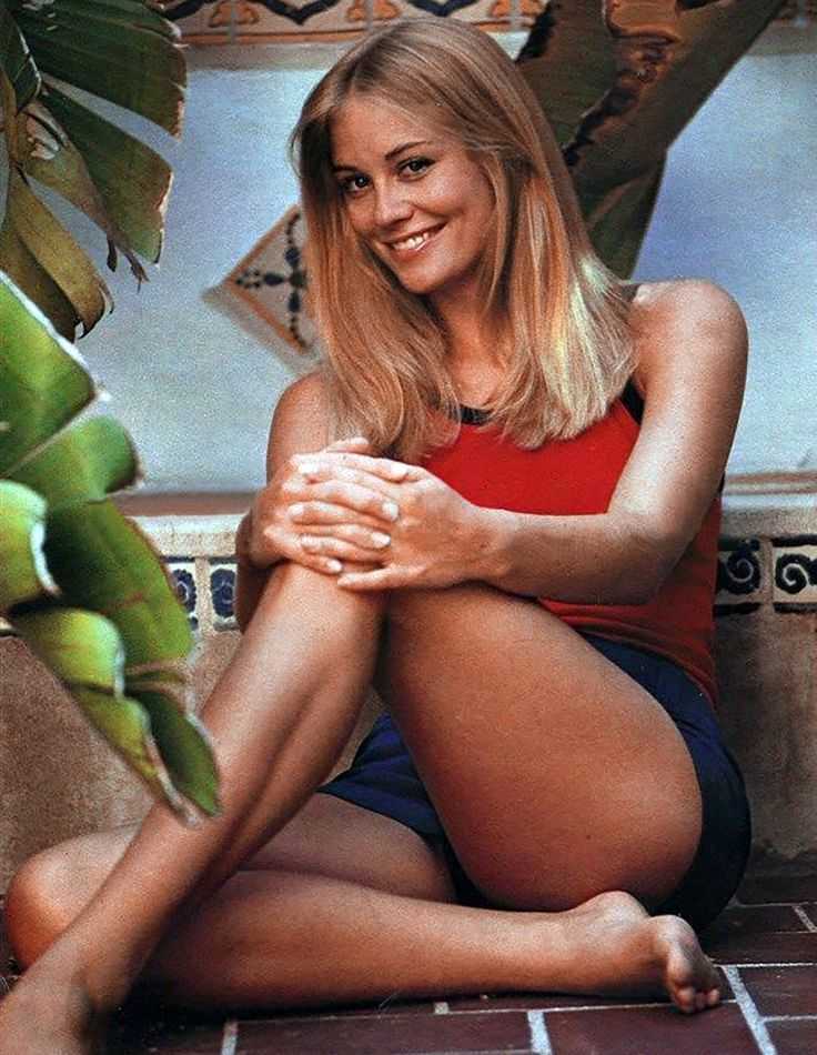 Ribbit ! Ribbit ! I'm a frog ! Cybill Shepherd is so beautiful ! She's pretty enough to be a princess ! If she kissed me, I'd turn into a prince !