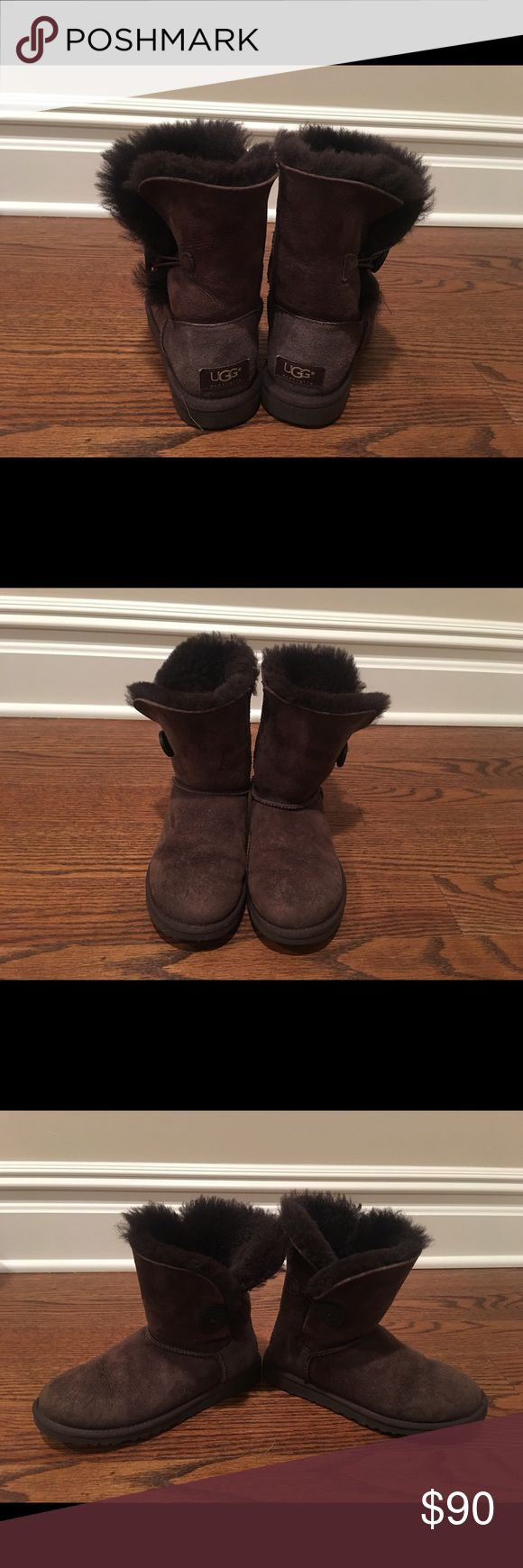 Ugg short boots Ugh short boots classic style. Very good condition, wore only a few times ( bought slightly small for my feet). Size w5, chestnut color. Please note Ugg boots runs big, this is a size 5 but fits like a 6. Please make sure this is the right size for you ( try one in the store if you are not familiar with Ugg size) before making an offer. UGG Shoes Winter & Rain Boots