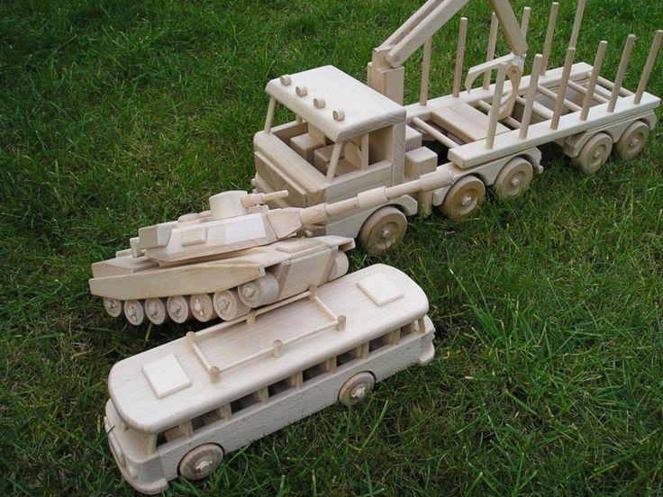 LKW Holztransport Spielzeug, plus Holzbus und   Holz-panzer