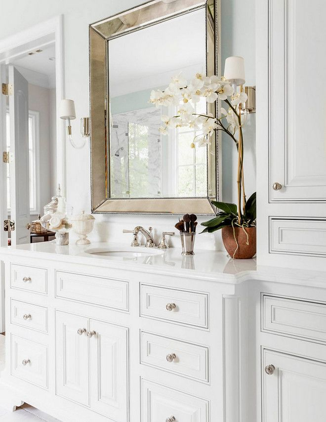Timeless bathroom cabinet design White Timeless bathroom cabinet design. Timeless bathroom cabinet design #Timelessbathroom #whitecabinet #cabinetdesign Robert Elliott Custom Homes