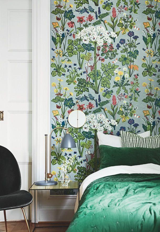 Bring den vilde natur ind i hjemmet med storblomstrede tapeter og lækre farvekombinationer.