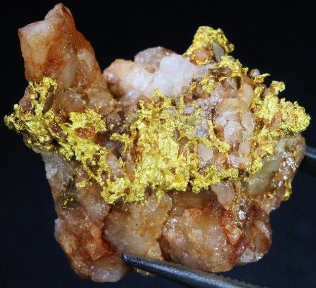 21.50 Grams Gold Nugget on Quartz Host Rock  LGN1389 gold nugget, australian gold nuggets, natural gold, aluvial gold nuggets, quartz gold nuggets