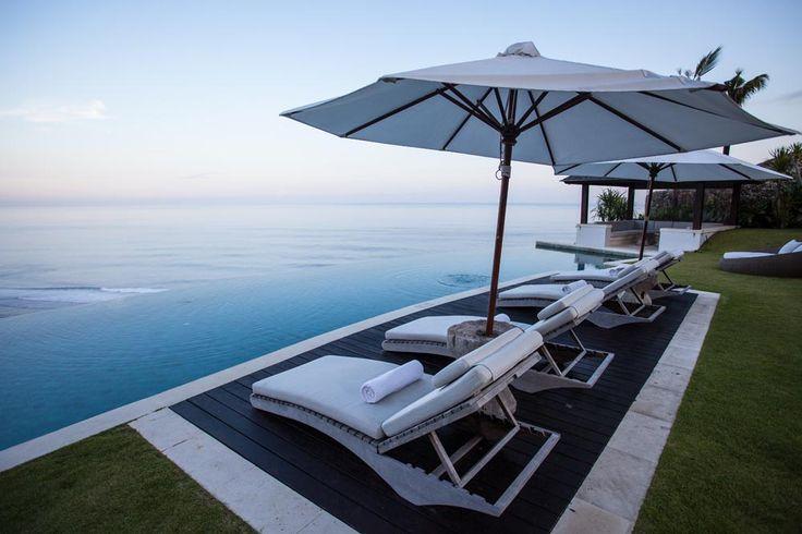 Villa Pawana's cliff edge infinity pool and sunken gazebo offer the perfect location to completely unwind after a long flight. #semarauluwatu #bali