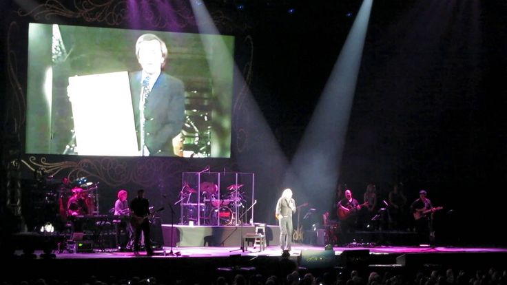 Barry Gibb Mythology Tour in the O2 Arena, London - Few HD clips with usable sound