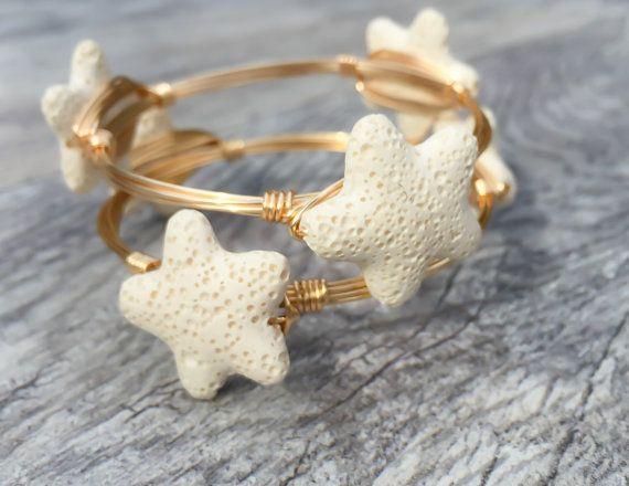 Mini Lava Rock Starfish filo avvolto Bangle, bracciale di stelle marine, filo del sud, oceano di gioielli, Starfish Bangle, Wire Wrap a mano