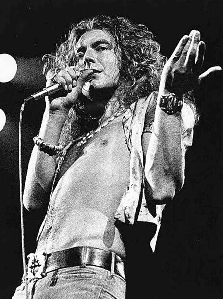 a biography of led zeppelin Books shelved as led-zeppelin: hammer of the gods by stephen davis, jimmy page: magus, musician, man: an unauthorized biography by george case, when gian.