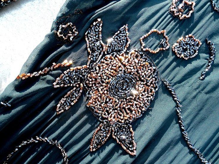 Ethno Charity indigo, bestickter Perlen Stoff von Prinzessinnen-Schneiderey auf DaWanda.com