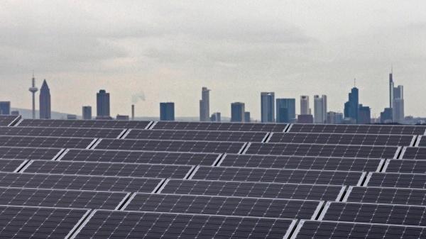 Ausstieg aus der Kernenergie: Schwierige Wende  - 20.06.2012 ·  Fast drei Viertel der Deutschen halten den Ausstieg aus der Kernenergie für richtig. Höhere Strompreise wollen sie für den Ausbau erneuerbarer Energien aber nicht bezahlen.