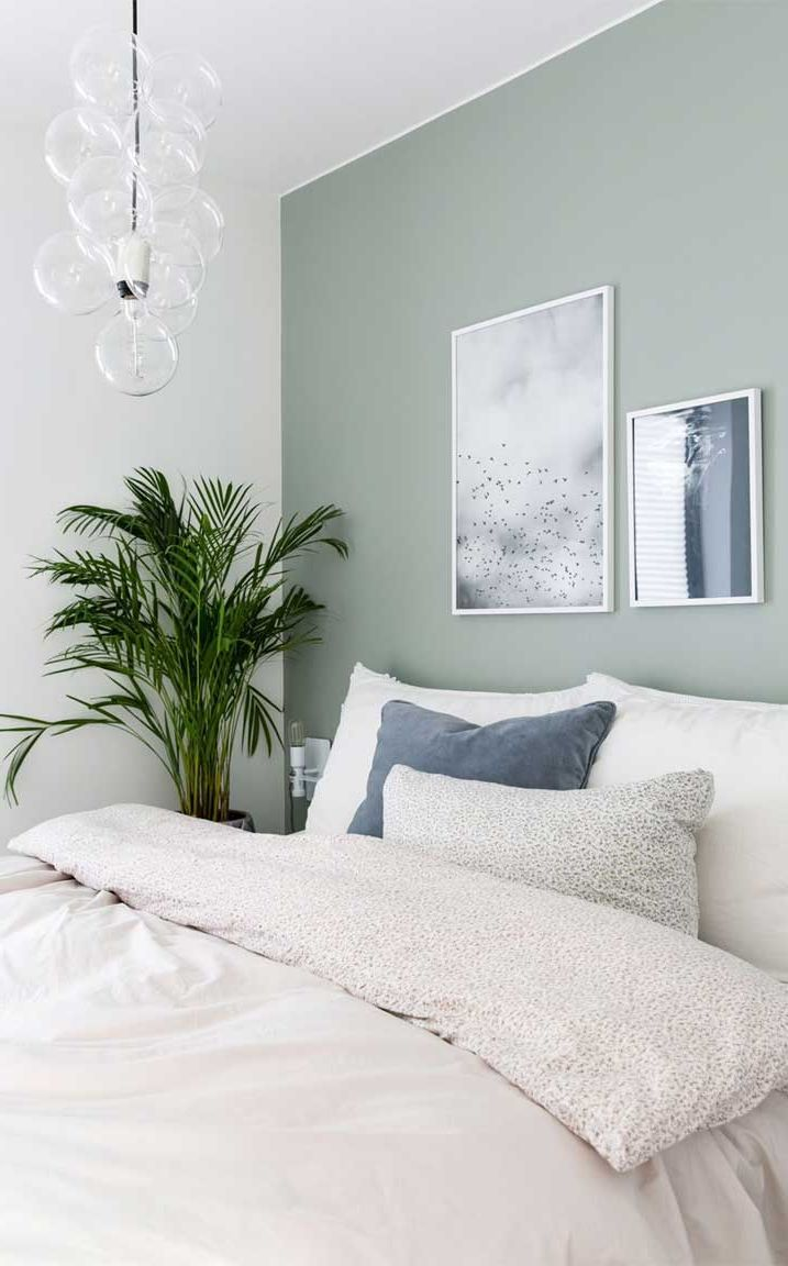 Minimalist Bedroom Decorating Styles Decor Around The World Green Bedroom Walls Green And White Bedroom Pale Green Bedrooms Green minimalist room decoration