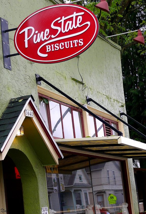 Diners, Drive-Ins and Dives Tour of Portland, Oregon   Noble Pig