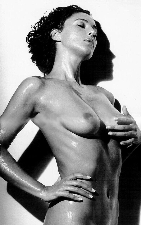 Monica bellucci nude pic, video sex thumbnails