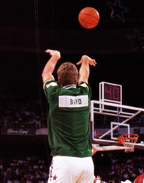 He can't outshoot me! Bring it Larry!Larry Birds, Larrybird, Boston Celtic, Celtic Basketball, Sports, B Ball, Larry Legends, Nba Legends, Athletic