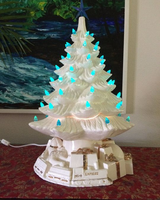 Lighted Christmas Carolers Ceramic Decoration By: Best 25+ Ceramic Christmas Trees Ideas On Pinterest