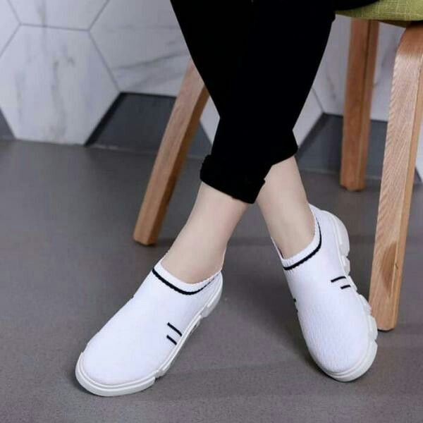 Pin Oleh Tifla Zro Di Sneakers Slip On Sepatu Wanita Sepatu