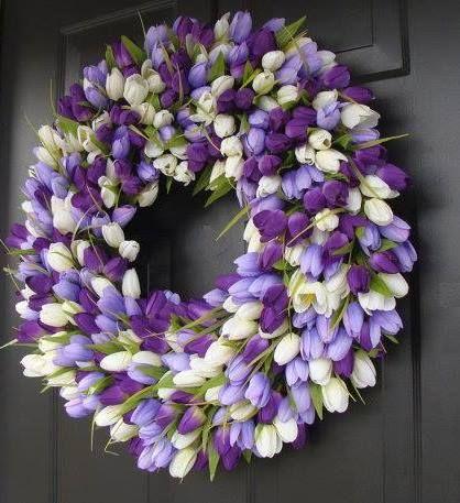 Beautiful tulip wreath for Spring!