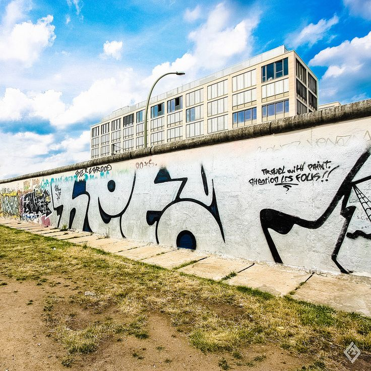 - berliner wall - © 2014 Franz-Renan Joly. Please do not use this or any of my images without my permission.