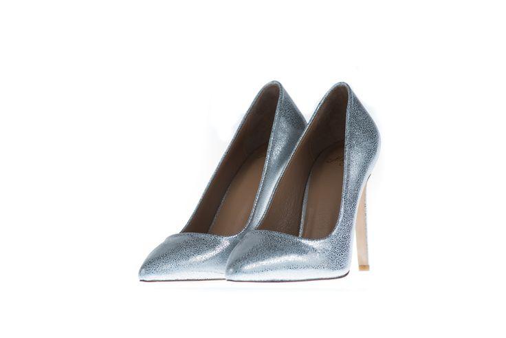 http://mishey.com.au/shop/shoes/yasmin-9-silver.html?___SID=U